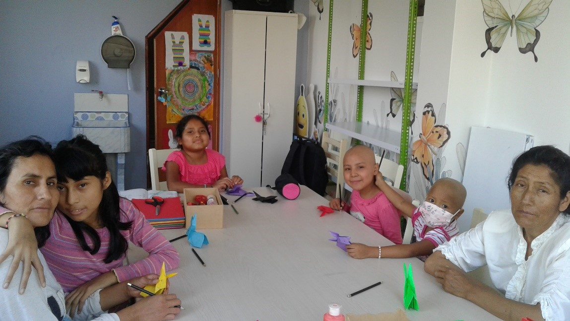 El GST con ALDIMI: Apoyo humanitario en favor de un grupo de personas, mayormente niños y niñas, en su lucha contra el cáncer.