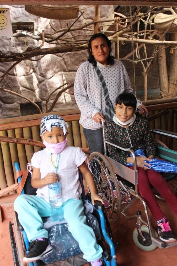 Visitando el zoológico por primera vez con ALDIMI: EL CÁNCER NO LOS LIMITA A VIVIR NUEVAS EXPERIENCIAS